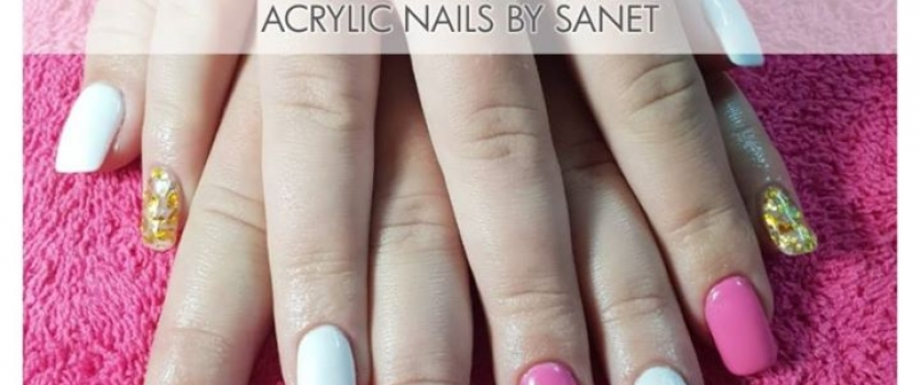 Acrylic Nails by Sanet from Doné's
