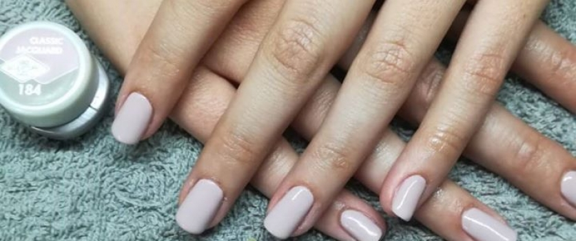 Gel nails by Mariné at Doné's